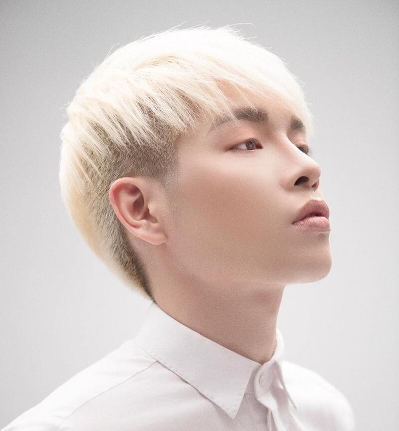 nhuộm tóc nam đẹp màu trắng  - bạch kim